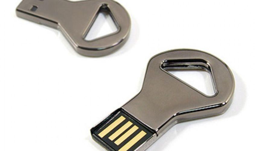 Флешка в виде ключа